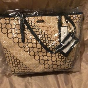 Bnwt Nine West large tote. Never opened.